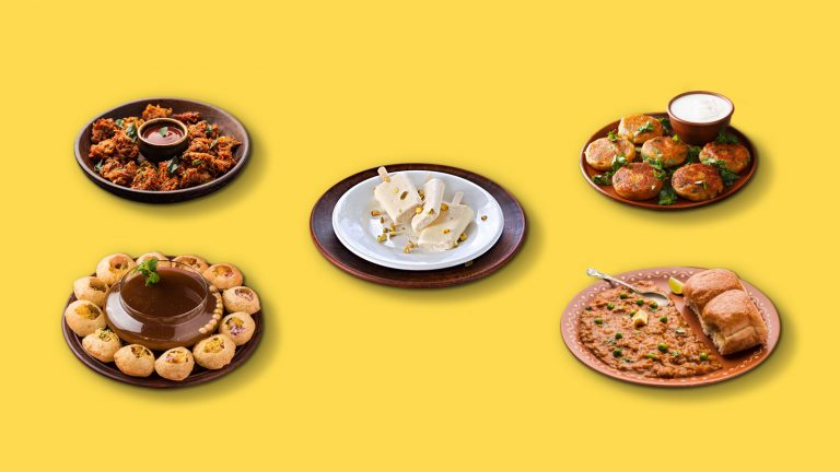 5 Indian Street Foods That Everyone Must Try